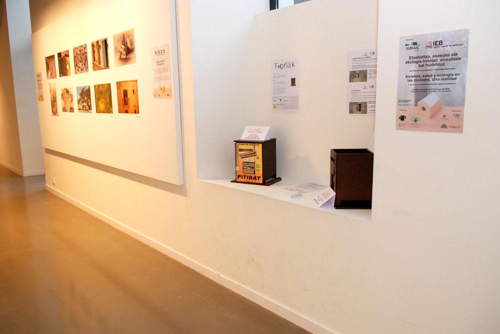 imagen de entrada del blog: Nuestras cajas nido presentes en la Semana de la Bioconstrucción
